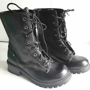 CANYON RIVER BLUES LACE UP BOOTS SIZE  8.5